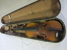 eine ältere Geige 4/4 mit Koffer Nr 2278