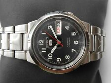 EXCELLENT VINTAGE SEIKO 5 BLACK DIAL MILITARY STYLE SS GENTS AUTOMATIC WATCH