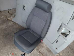VW Polo 9N Bj03 Sitz Beifahrersitz  Höhenverstellbar + Seitenairbag  4-Türer