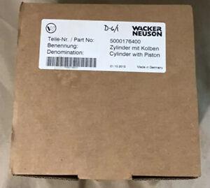 OEM Wacker Rammer Piston And Cylinder Kit For WM80 Engine PN 5000176400