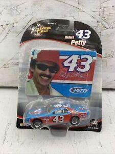 2005 Winners Circle #43 Richard Petty Plymouth STP 1:64 Scale New in Box!