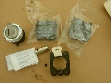 EATON E22SF0X4R CLEAR Illuminated Selector Switch; 2 Positions; 22.5mm;