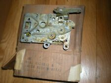 NOS 1971 Ford Mustang Front Door Latch RH D1AZ-6521812-A