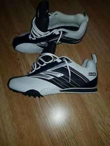HI-TEC running Shoes Junior athletics spikes size 4 never Ran In
