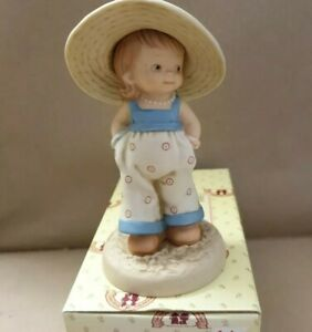 """Mabel Lucie Attwell,memories of yesterday 1990"""" I'm a little lady"""". LE"""