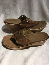Skechers Women's Brown Thong Sandals With Cut Out Designs Size 9