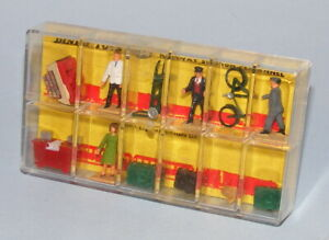 DINKY TOYS HORNBY DUBLO #054 RAILWAY STATION PERSONNEL NEAR MINT BOXED