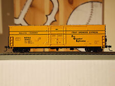 "Athearn Ready To Roll Baltimore & Ohio / Fgex 50ft.""Superior"" Plug Door Box Car"