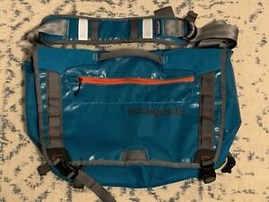 Patagonia Black Hole Messenger Bag 24L Larimar Blue