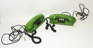 1 von 2 DDR Wandtelefon RFT grün Kult vintage Telefon !