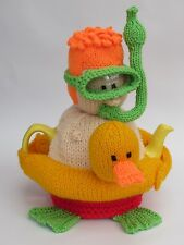 Snorkeler Tea Cosy Knitting Pattern to Knit your own diver tea cosy
