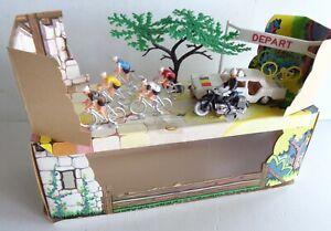 rare COFALU diorama tour de France peugeot 404/cycliste/Moto Bon Etat Boite 1/43
