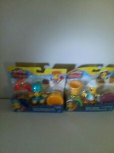2 packages of playdoh people (NEW)