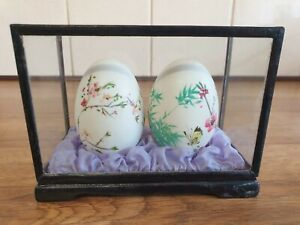Vintage Retro Chinese Decorative Hand Painted Eggs in Case Ornament