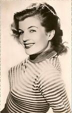 CARTE POSTALE PHOTO CELEBRITE ACTRICE CORINNE CALVET
