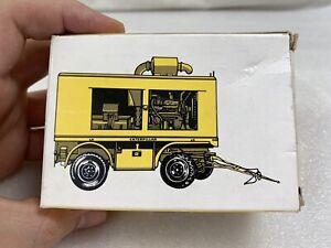 NZG Caterpillar Mobile Generator Gen Set  Cat Diesel Engine on wheels 1:50 # 210