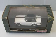 DETAILCARS 1/43 :  TRIUMPH TR6  1969 with hard top  BLANCHE