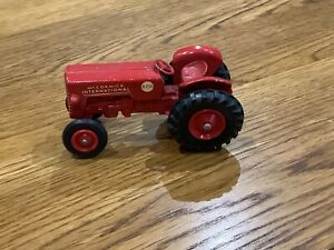 Matchbox Moko Lesney No 4 Series king size Tractor McCormick International