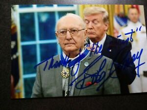 BOB COUSY Hand Signed Autograph 4X6 Photo with DONALD TRUMP - MEDAL OF FREEDOM