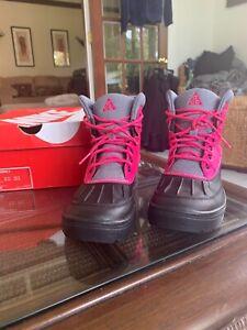 Cute Nike Woodside Hide II (GS) Pink/Black/Grey  Ankle Sneaker Boots 4Y