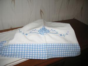 Paire de drap blanc et bleu