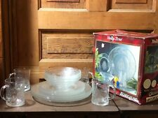 Arcoroc Holly Time 16 Piece Glass Christmas Dinnerware Set With Original Box D