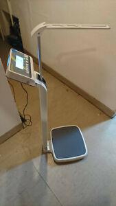 Kern Personen Waage MPE-HM 250kg geeicht gebraucht Längenmaßstab