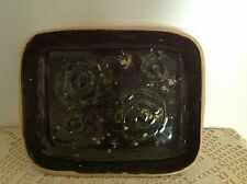 1966 MDJ SIGNED POTTERY DISH WITH SWIRLED PATTERNS - BROWN, GREEN & BEIGE.