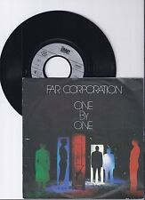 "Far Corporation, One by one, VG/VG+ 7"" Single 0986-4"