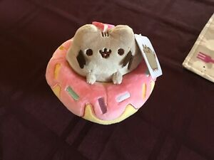 """Pusheen the Cat In Donut, Backpack Clip-On 5"""" Plush Claire's Exclusive NWT"""