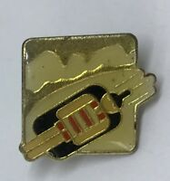 Winter Olympic Sport Luge Badge Pin Vintage Rare (G5)