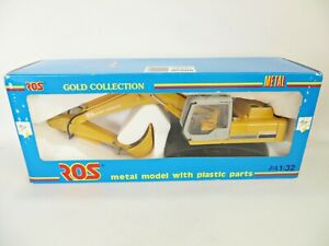 ROS AGRI GOLD COLLECTION 00020 'FIAT HITACHI FH 200 EXCAVATOR' 1:32. MIB/BOXED.