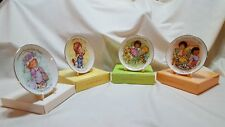 Vntg AvonMother'S Day Plates Set of 4 1980's with Holders 1981 1982 1983 1984