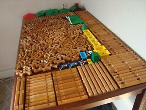 Lincoln Logs HUGE Lot 454 Pieces Roofs People Sheriffs TONS of Different Pieces