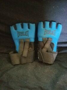 Blue Everlast Medium Boxing Training Gloves RN89468 100% Nylon