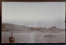 Inde, Vue des bateaux de croisière dans un port, ca.1903, vintage silver print V