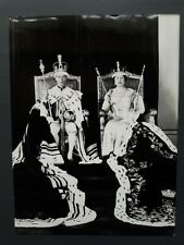 KING GEORGE VI AND QUEEN ELIZABETH CORONATION PRESS PHOTO, IN ROBES, 1937/1986.