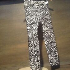 No Boundaries Womens Leggings Juniors Size S Seamless Capri Black White Print