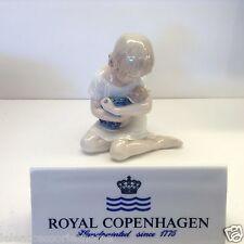Royal Copenhagen Figuras no.1938 - Ragazza Con Muñeca - Royal Copenhagen