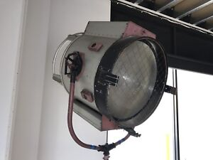 Mole Richardson Studio Fresnel Spotlight Lite Weight 225amp Brute Arc