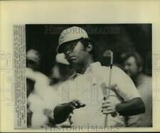 1974 Press Photo Golfer Homero Blancas guides his ball at Byron Nelson Classic.