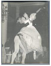 Ballerines, années 50 Vintage silver print  Tirage argentique  9x12  Circa