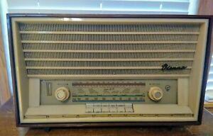 Vintage Rare Blaupunkt Vienna Tabletop Tube Radio Model 21103 AM/FM/SW Working