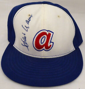 Hank Aaron Authentic Autographed Signed Hat Atlanta Braves Beckett AA01302