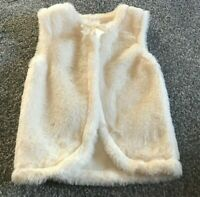 FAUX FUR GIRLS CREAM SLEEVELESS WAISTCOAT GILET BNWOT 12 - 18 MONTHS MINI MOI