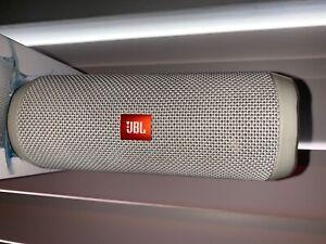 JBL Portable Bluetooth Speaker Flip 4 White 12 Hours Of Playtime