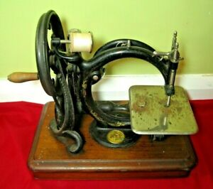Antique 1874 Premier Willcox & Gibbs Hand Crank Sewing Machine USA Collectable