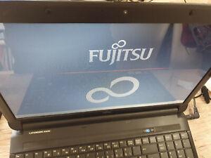 Fujitsu Lifebook AH530 Notebook Intel Pentium P6200 2.13GHz DDR3