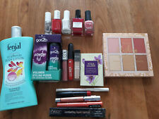 Glossy Box 17 Beauty Teile aus verschiedenen Boxen
