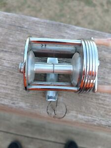 Vintage Walter H. Schatz Level Winding Reel Model G-118. Nice! Works.